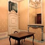 Palazzo Lucerna di Rorà - Bene Vagienna,  Sala marchionale. Opérations effectuées : restauration des portes et de l'ameublement, placement des damas