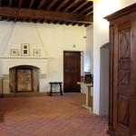 Casa Ravera, Bene Vagienna, Bookshop. Opérations effectuées : restauration des portes, de l'ameublement et du plafond