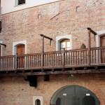 Restauro antico balcone in rovere